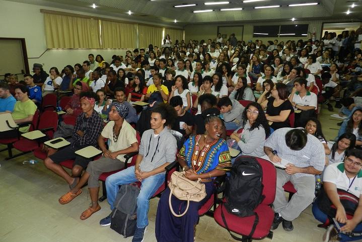 auditório do campus Pinheiral lotado na Semana da Consciência Negra