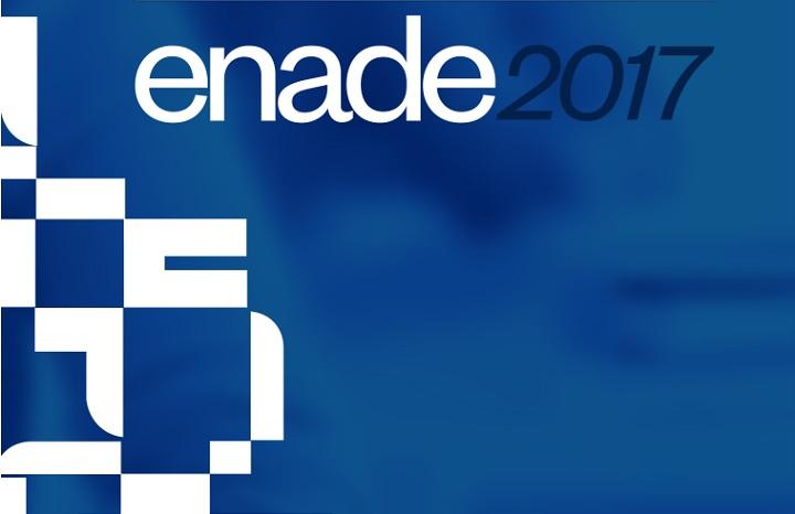 "cartaz azul escuro, escrito ""enade 2017"" em branco"