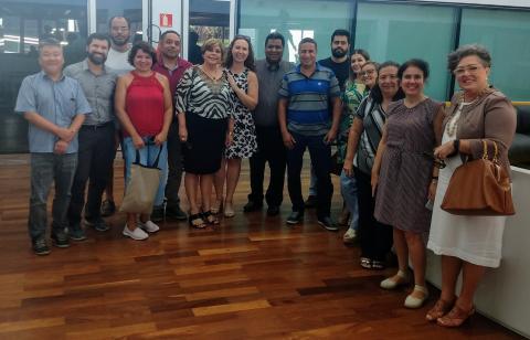 15 gestores do ProfEPT antes da reunião na Biblioteca Parque